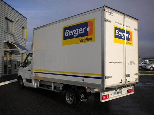 renault master ch ssis cabine avec caisse 20m3 berger location. Black Bedroom Furniture Sets. Home Design Ideas