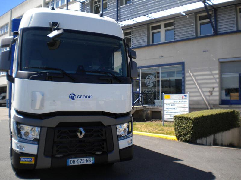 Des porteurs fourgons 12 et 19 tonnes qse pour geodis - Location utilitaire limoges ...